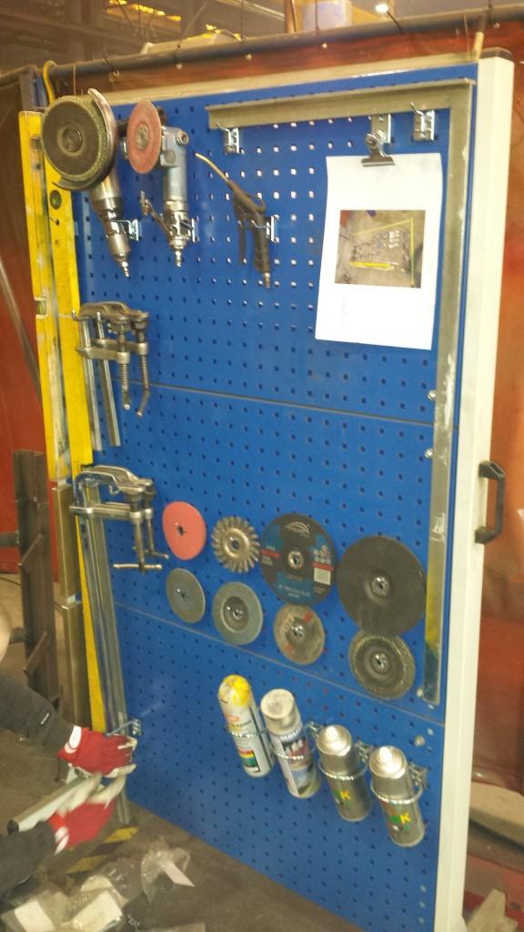 Tööriistade paigutamine stendile joonise alusel